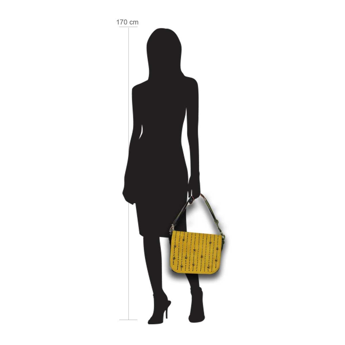 Modellpuppe 170 cm groß zeigt die Handtaschengröße an der Person Modell:Albaraccin