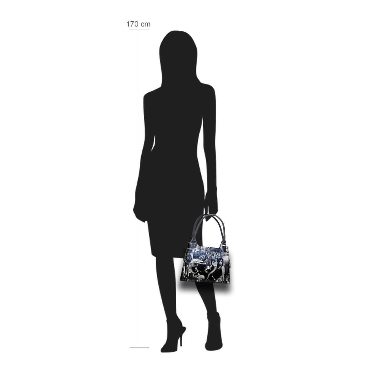 Modellpuppe 170 cm groß zeigt die Handtaschengröße an der Person Modell:Berlin